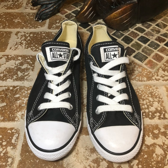 CONVERSE NWOT CHUCK TAYLOR ALL STAR DAINTY LOW TOP